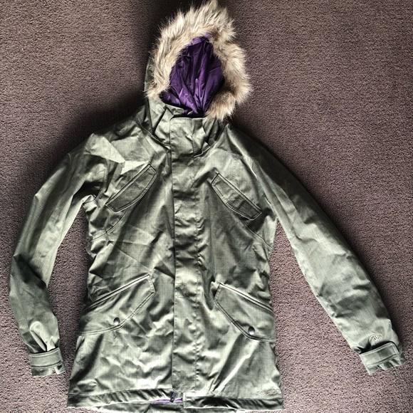 "f96c52a45c Burton Jackets   Blazers - Burton ""The White Collection"" Snowboard Jacket XL"